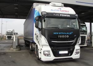 Iveco Stralis NP 460 / LNG vo farbách Auto-Impexu